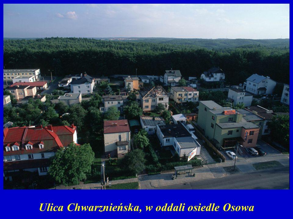 Ulica Chwarznieńska, w oddali osiedle Osowa
