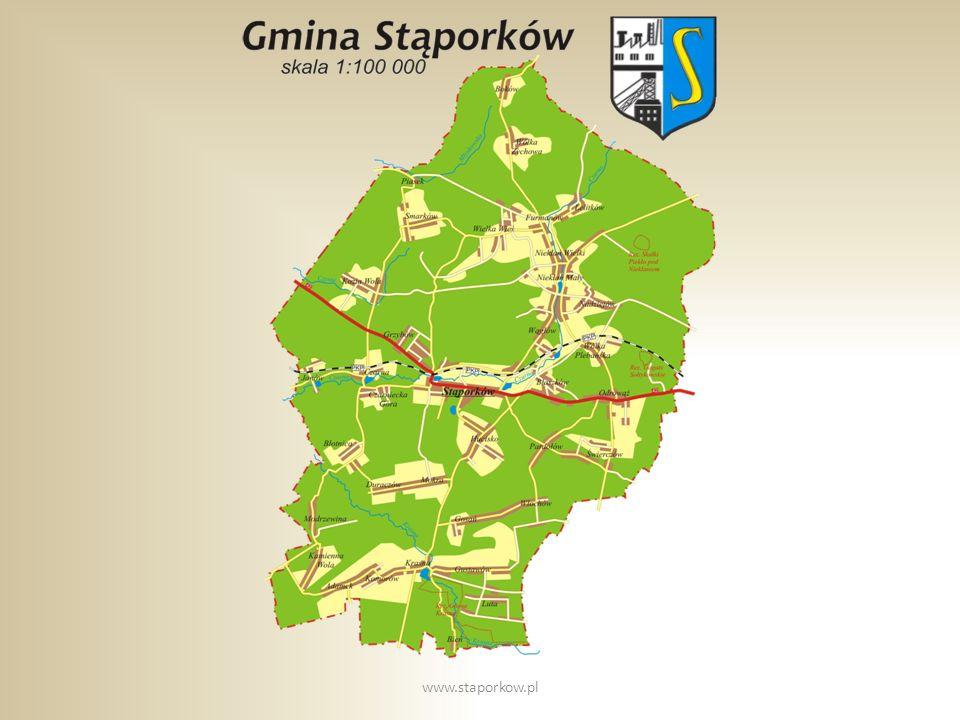 Szkoła Podstawowa nr 2 w Stąporkowie powstała w 1962 roku, w ówczesnym budynku znajdowała się również filia Technikum Ekonomicznego w Końskich, a następnie filia L.O w Końskich.