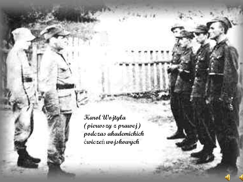 14 maja 1938 r. Karol zako ń czył nauk ę w gimnazjum otrzymuj ą c ś wiadectwo maturalne z ocen ą celuj ą c ą, nast ę pnie wybrał studia polonistyczne