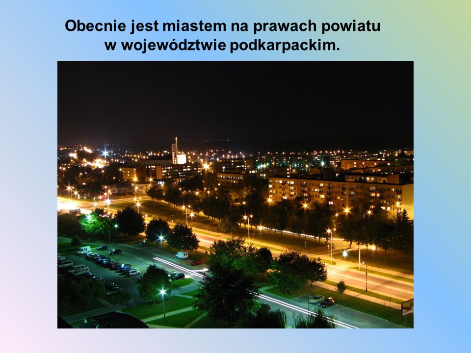 Miasto rozwinęło się dopiero po II wojnie światowej jako centrum wydobycia siarki.