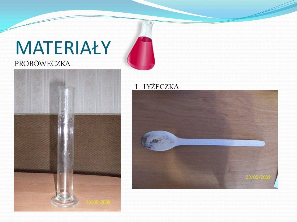 PRZEBIEG: Do probówki z ok 3 cm 3 wody utlenionej wsypujemy nadmanganian potasu iiiii…