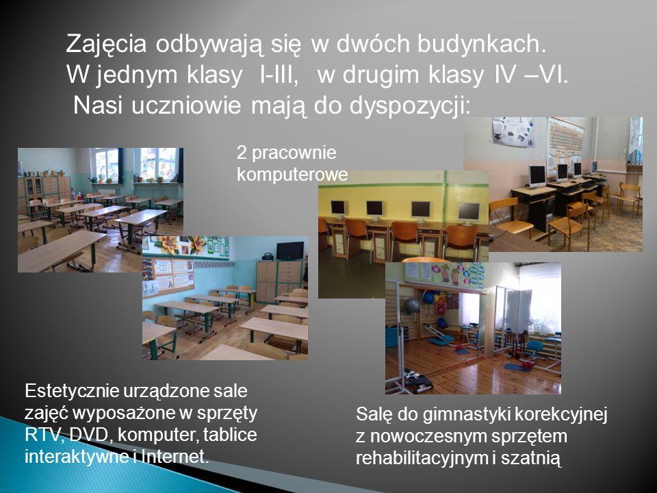 Nowoczesne i estetyczne szatnie wyposażone w zamykane szafki dla każdego ucznia Duże 2 bezpieczne, monitorowane podwórka między budynkami szkoły oraz: - 2 sklepiki szkolne; - automat do napojów; - stołówkę prowadzoną przez firmę Feldman; - gabinet medycyny szkolnej; - gabinet pedagoga szkolnego; - gabinet logopedy; - sale językowe; - salę do zajęć terapii pedagogicznej - salę zabaw dla klas I-III