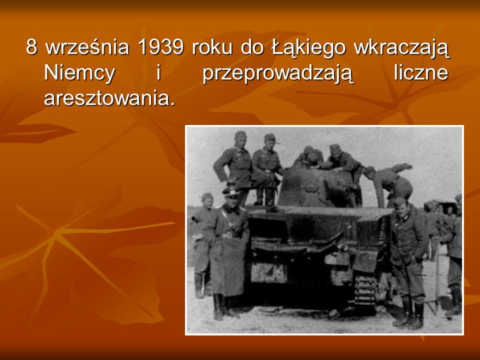 Kierownika miejscowej szkoły aresztują Niemcy i osadzają w majętności Gościeszyn jako zakładnika.