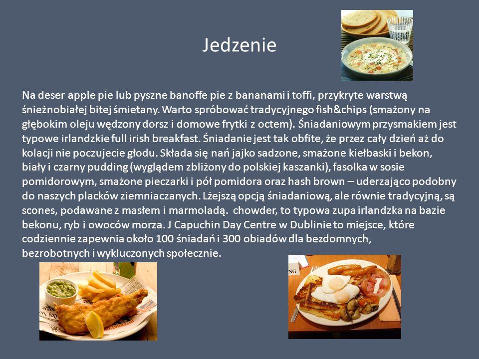 Jedzenie Na deser apple pie lub pyszne banoffe pie z bananami i toffi, przykryte warstwą śnieżnobiałej bitej śmietany. Warto spróbować tradycyjnego fi