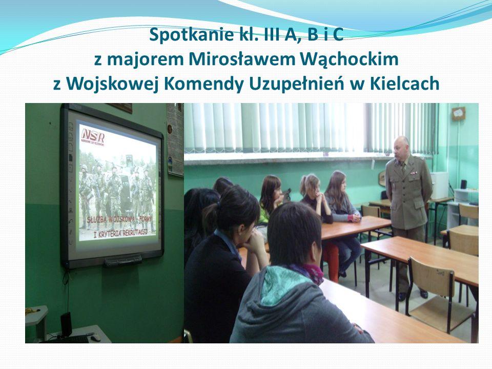 Spotkanie kl. III A, B i C z majorem Mirosławem Wąchockim z Wojskowej Komendy Uzupełnień w Kielcach
