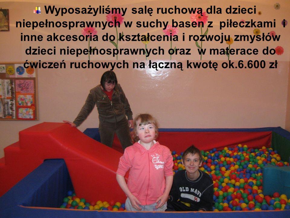 Wyposażyliśmy salę ruchową dla dzieci niepełnosprawnych w suchy basen z piłeczkami i inne akcesoria do kształcenia i rozwoju zmysłów dzieci niepełnosp