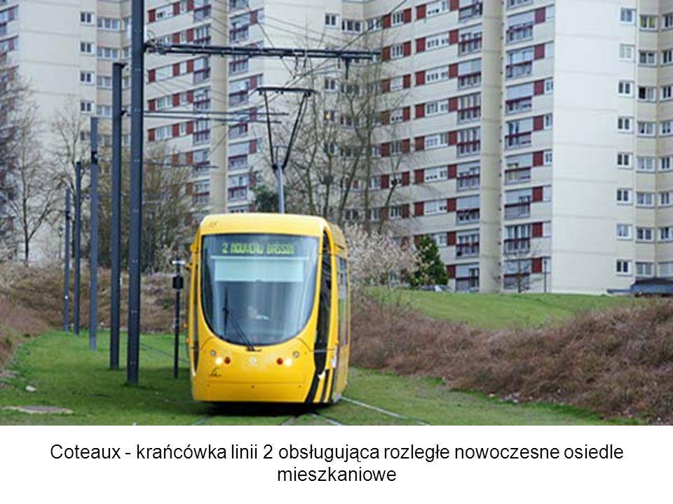 Coteaux - krańcówka linii 2 obsługująca rozległe nowoczesne osiedle mieszkaniowe