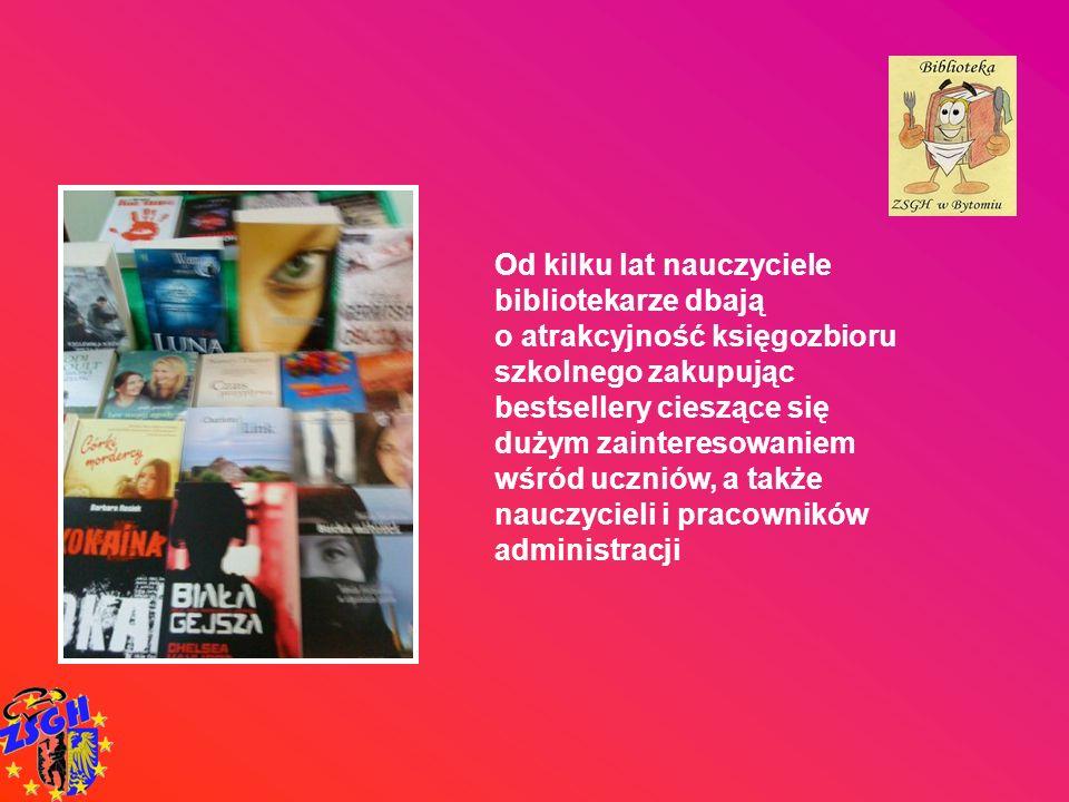 Od kilku lat nauczyciele bibliotekarze dbają o atrakcyjność księgozbioru szkolnego zakupując bestsellery cieszące się dużym zainteresowaniem wśród ucz