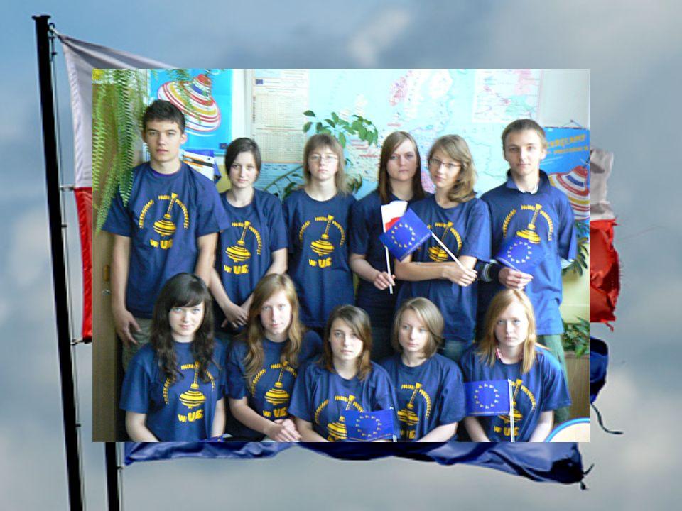 W dniu 14 kwietnia 2011 roku odbyła się w naszej szkole lekcja europejska, którą poprowadziła pani Karolina Machul z Biura Posła do Parlamentu Europejskiego Prof.