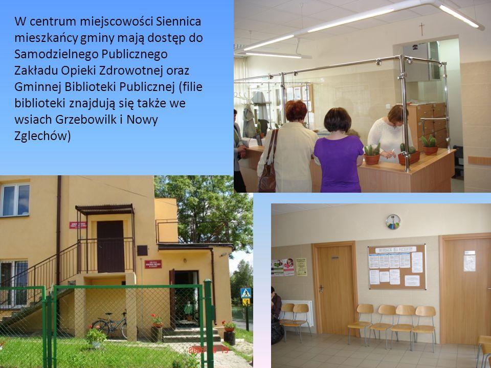 W centrum miejscowości Siennica mieszkańcy gminy mają dostęp do Samodzielnego Publicznego Zakładu Opieki Zdrowotnej oraz Gminnej Biblioteki Publicznej