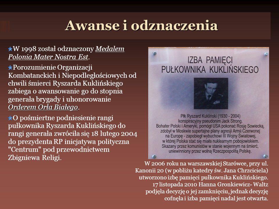 Awanse i odznaczenia Awanse i odznaczenia W 1998 został odznaczony Medalem Polonia Mater Nostra Est.
