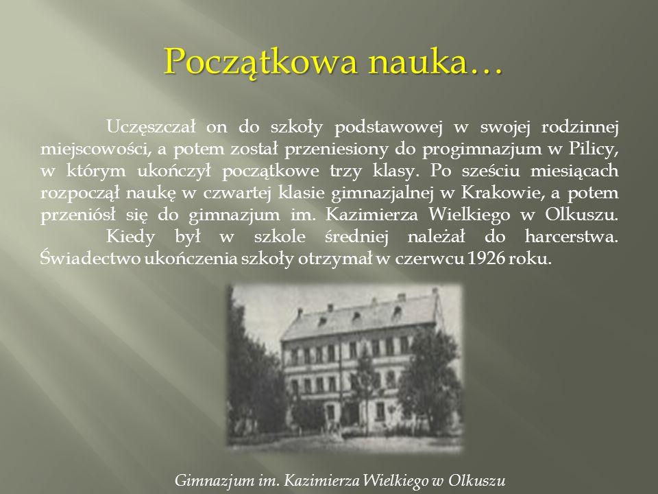 Po ukończeniu szkoły średniej ksiądz Maksymilian rozpoczął próby o przyjęcie do powstającego w Krakowie Seminarium Duchownego diecezji częstochowskiej.