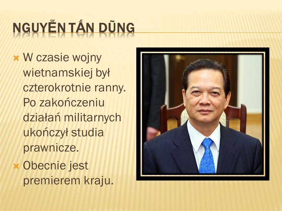 W czasie wojny wietnamskiej był czterokrotnie ranny. Po zakończeniu działań militarnych ukończył studia prawnicze. Obecnie jest premierem kraju.