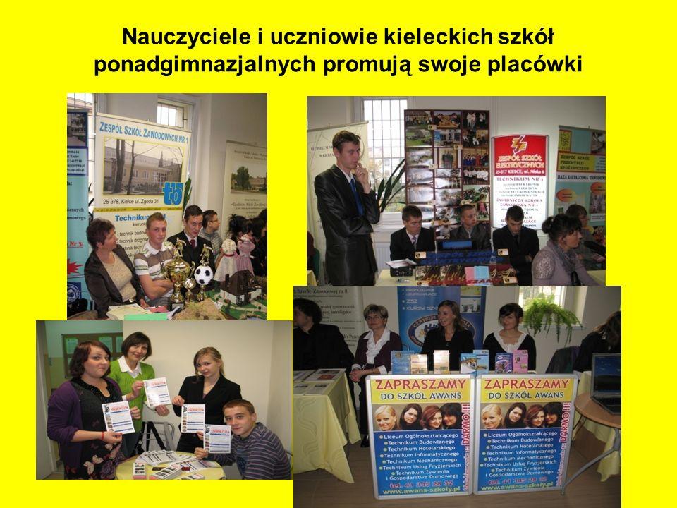 Nauczyciele i uczniowie kieleckich szkół ponadgimnazjalnych promują swoje placówki