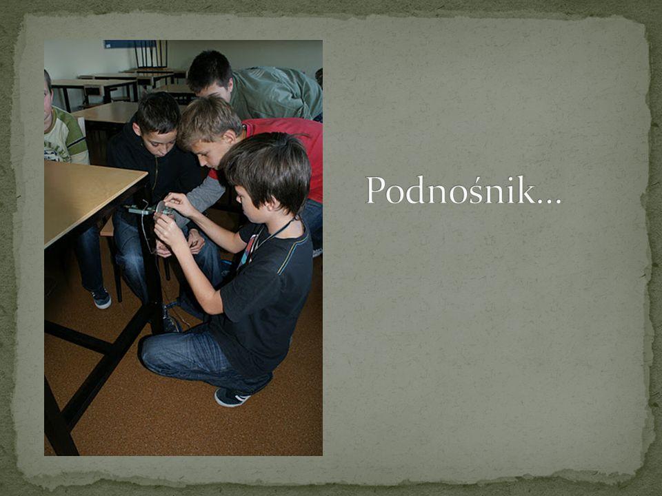 Na tej lekcji pracowaliśmy w grupach i za zadanie mieliśmy stworzyć różne podnośniki.