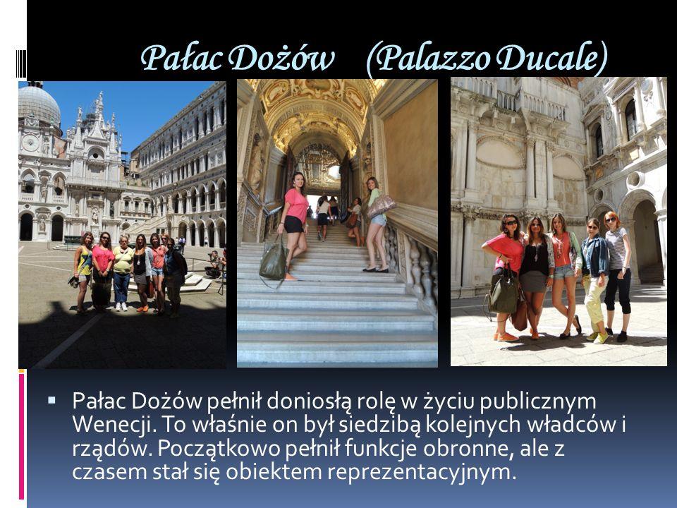 Pałac Dożów (Palazzo Ducale) Pałac Dożów pełnił doniosłą rolę w życiu publicznym Wenecji. To właśnie on był siedzibą kolejnych władców i rządów. Począ