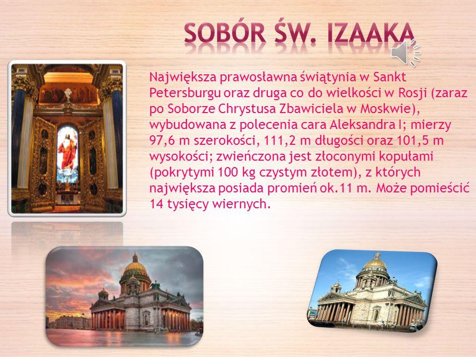 Sobór Wasyla Błogosławionego usytuowany jest w południowej części Placu Czerwonego.