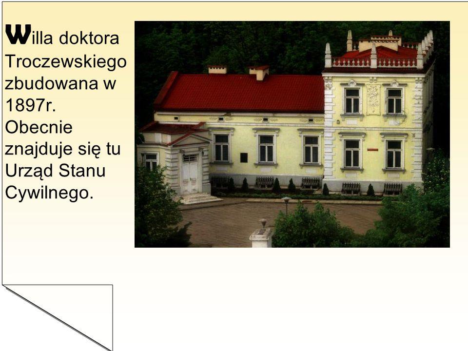 D worek Modrzewiowy – Dwór Chlewickich.Jest to najstarszy drewniany zabytek Kutna.