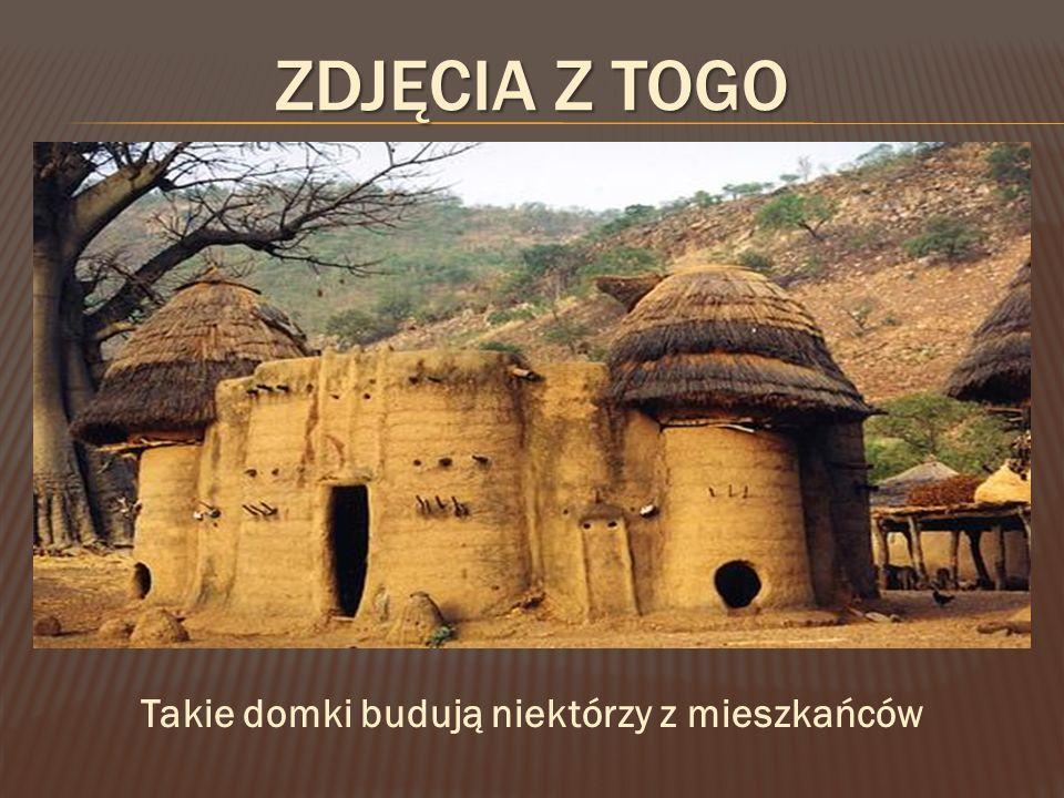 ZDJĘCIA Z TOGO Takie domki budują niektórzy z mieszkańców