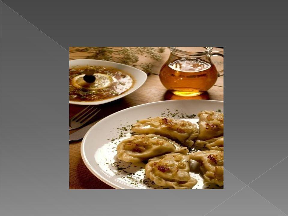Składniki: - filet z karpia(600g) - sok z połowy cytryny - pieprz - 1 łyżka mąki - 1 jajko - 50 g.