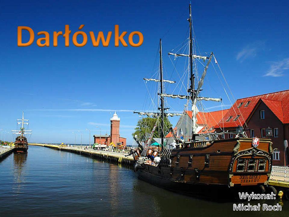Darłówko – nadmorska dzielnica miasta Darłowo, u ujścia rzeki Wieprzy do Bałtyku.