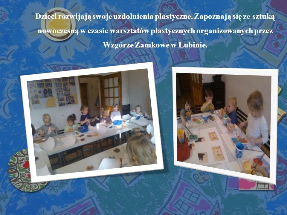 Dzieci rozwijają swoje uzdolnienia plastyczne. Zapoznają się ze sztuką nowoczesną w czasie warsztatów plastycznych organizowanych przez Wzgórze Zamkow