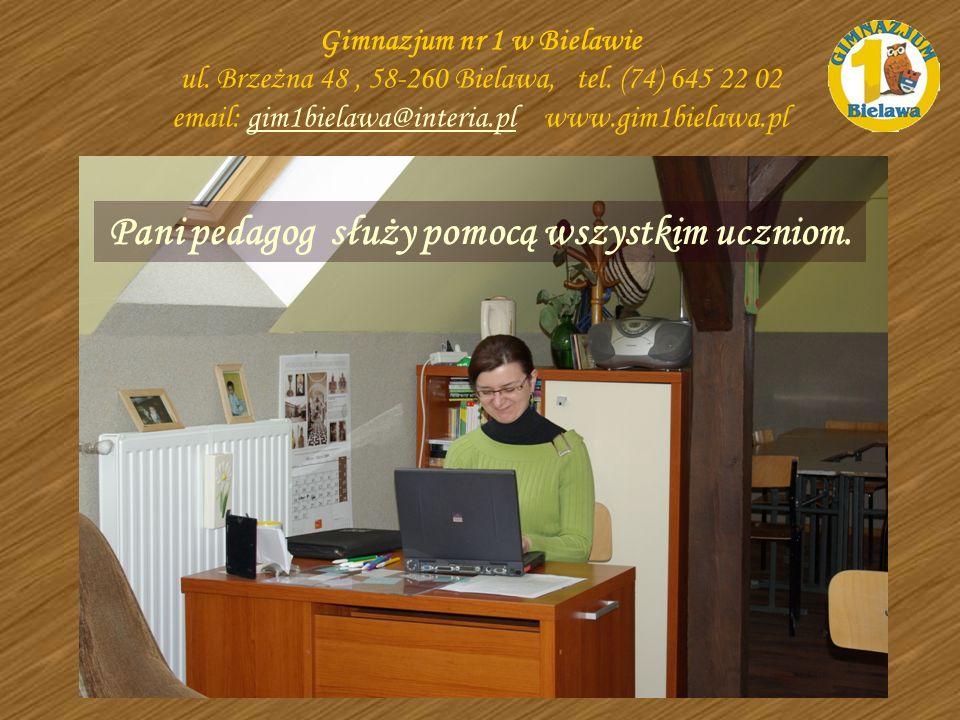 Pani pedagog służy pomocą wszystkim uczniom. Gimnazjum nr 1 w Bielawie ul. Brzeżna 48, 58-260 Bielawa, tel. (74) 645 22 02 email: gim1bielawa@interia.