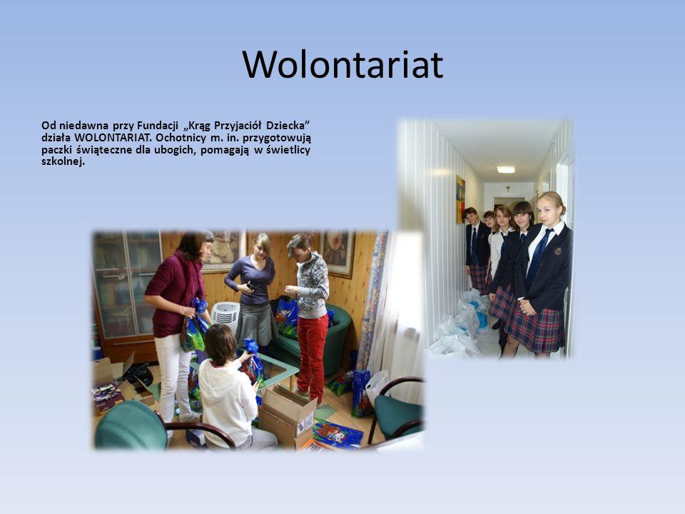 Wolontariat Od niedawna przy Fundacji Krąg Przyjaciół Dziecka działa WOLONTARIAT. Ochotnicy m. in. przygotowują paczki świąteczne dla ubogich, pomagaj