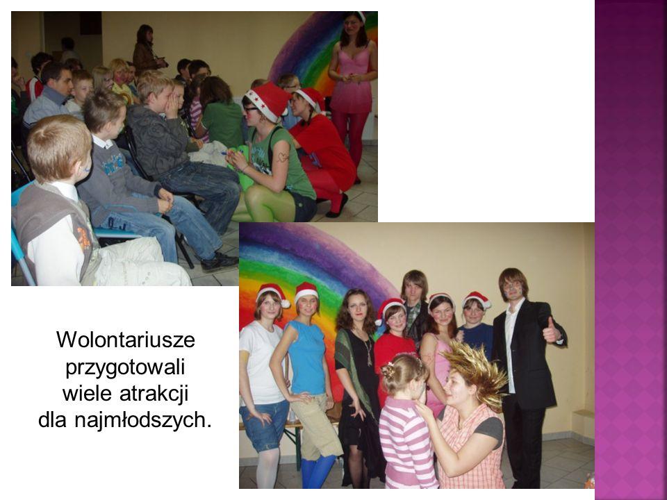 Wolontariusze przygotowali wiele atrakcji dla najmłodszych.