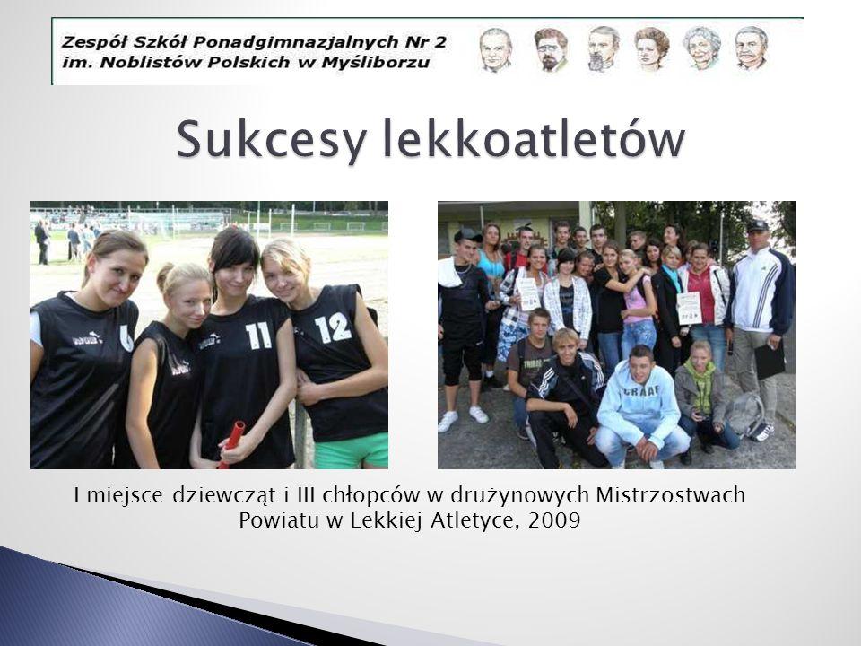 I miejsce dziewcząt i III chłopców w drużynowych Mistrzostwach Powiatu w Lekkiej Atletyce, 2009