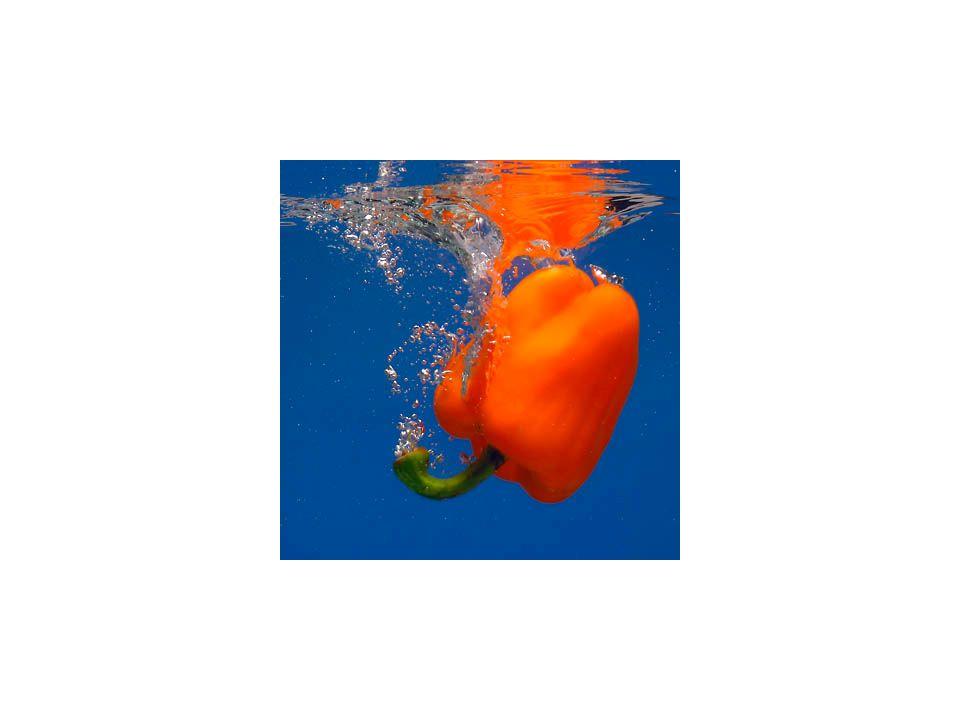 Wartości odżywcze twarożku (100gram): -Białko 19,8 g - Tłuszcze 0,5 g - Węglowodany 3,5 g -Potas [mg]: 96 - Wapń [mg]: 96 - Fosfor [mg]: 240 - Żelazo [mg]: 0.2 - Magnez [mg]: 9 - Witamina A [µg]: 5 - Beta-karoten [µg]: 3 - Witamina D [µg]: 0.04 - Witamina E [mg]: 0.01 - Tiamina (Witamina B1) [mg]: 0.03 - Ryboflawina (Witamina B2) [mg]: 0.495 - Niacyna (Witamina PP) [mg]: 0.1