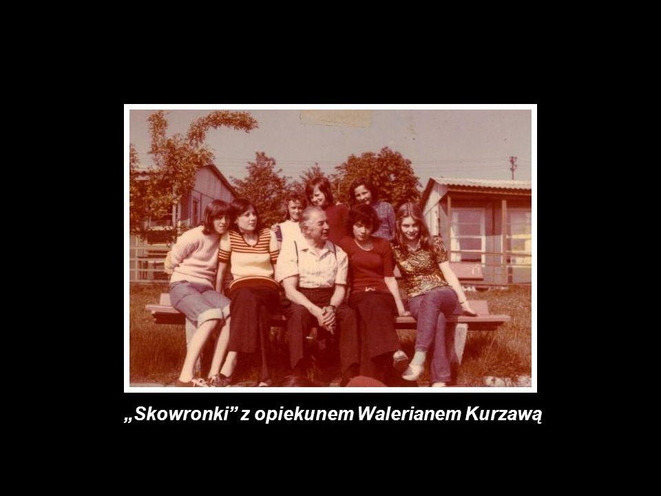 Skowronki z opiekunem Walerianem Kurzawą