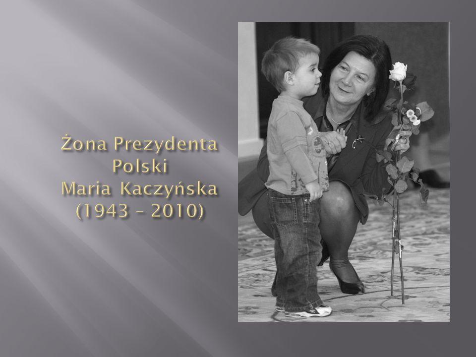 Absolwent Politechniki Gdańskiej, którego ojciec - oficer, kawalerzysta, sportowiec - zginął w Katyniu.