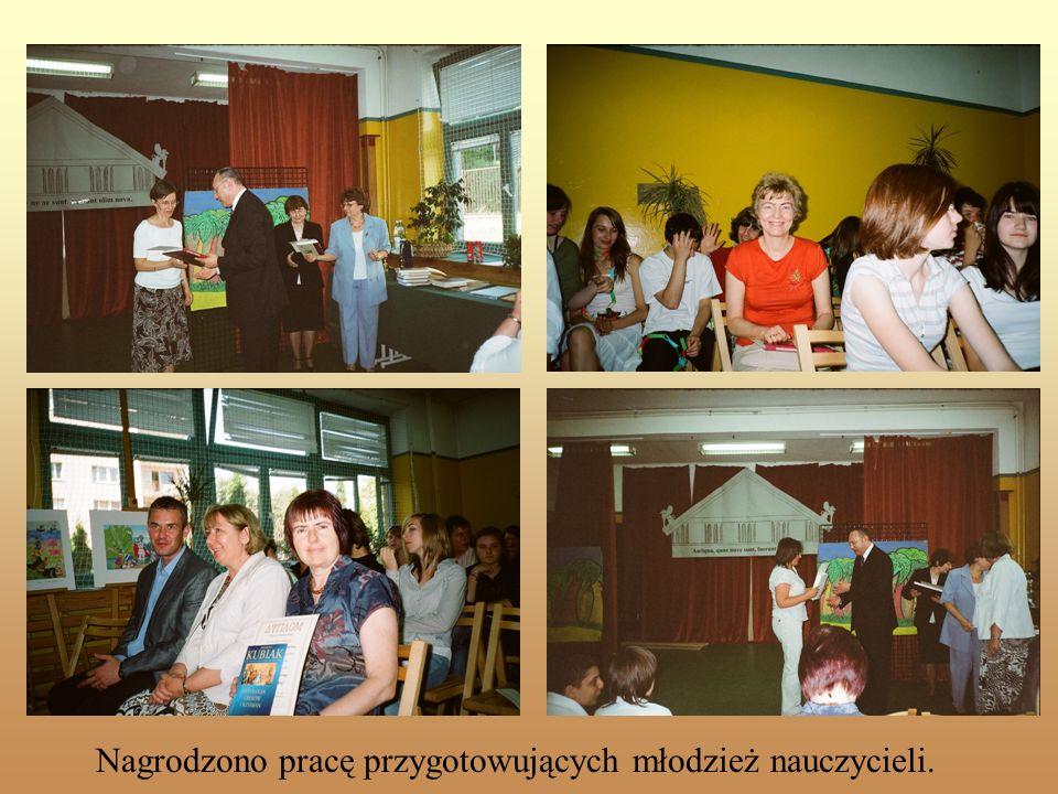 Nagrodzono pracę przygotowujących młodzież nauczycieli.