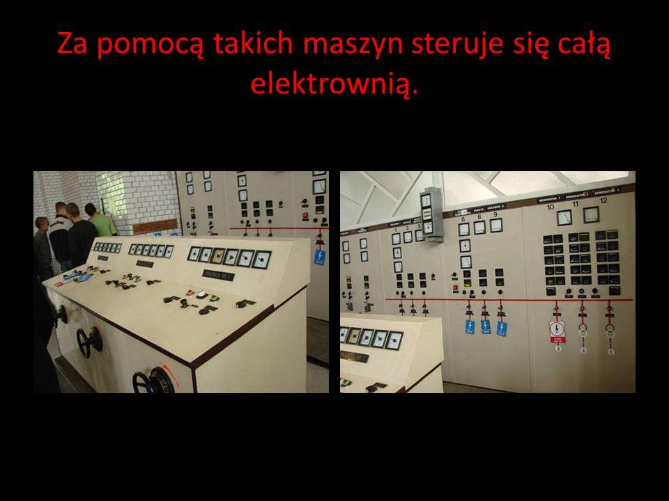 Pracownik zakładu opowiadał nam o pracy i historii elektrowni.