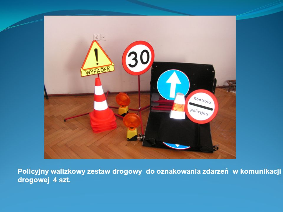 Policyjny walizkowy zestaw drogowy do oznakowania zdarzeń w komunikacji drogowej 4 szt.