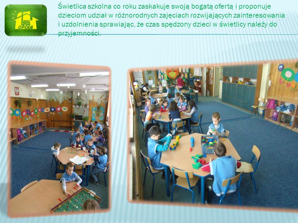 Świetlica szkolna co roku zaskakuje swoją bogatą ofertą i proponuje dzieciom udział w różnorodnych zajęciach rozwijających zainteresowania i uzdolnien