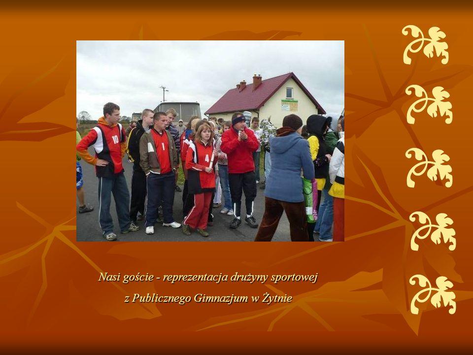Nasi goście - reprezentacja drużyny sportowej z Publicznego Gimnazjum w Żytnie