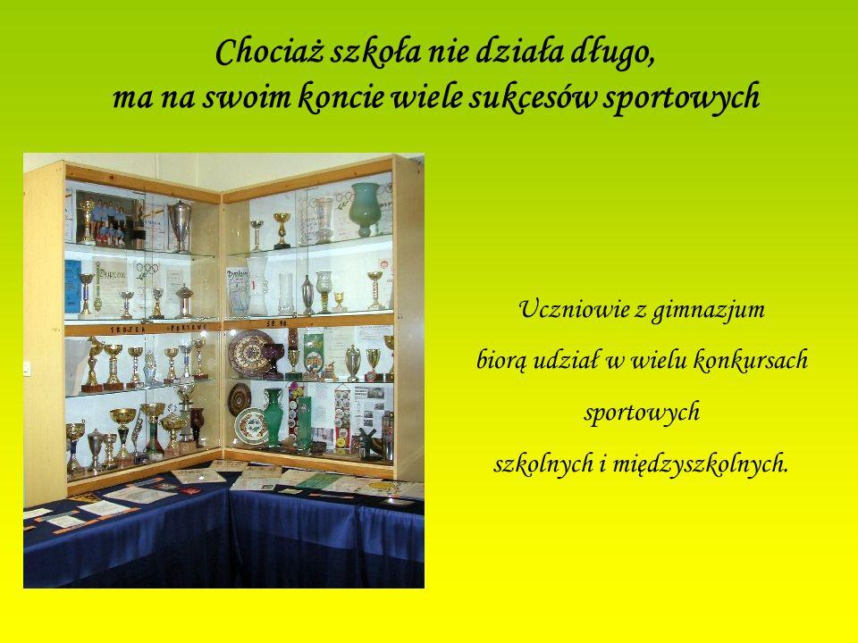 Gimnazjum Integracyjne nr 75 w Krakowie jest: Szkołą z Klasą Szkołą z Klasą Szkołą Promującą Zdrowie Szkołą Promującą Zdrowie