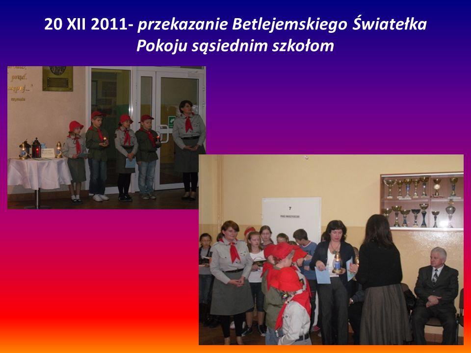 20 XII 2011- przekazanie Betlejemskiego Światełka Pokoju sąsiednim szkołom