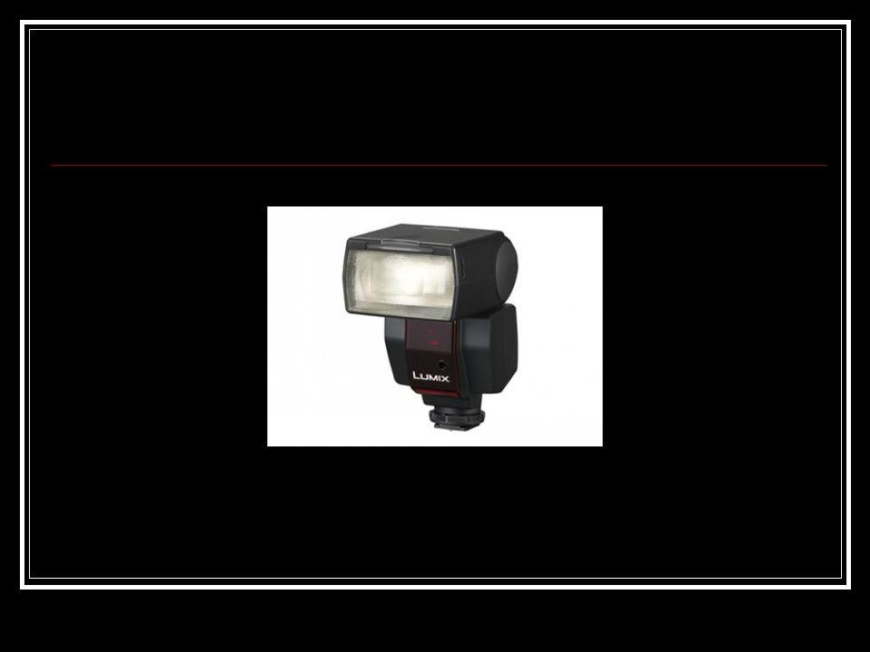 Elektroniczne lampy błyskowe, zwane popularnie fleszami , są następnym (po światłomierzach) pod względem rozpowszechnienia urządzeniem elektronicznym stosowanym w fotografii amatorskiej i zawodowej.
