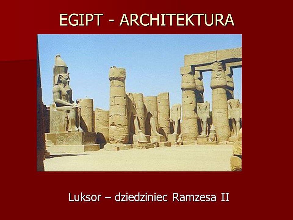 EGIPT - ARCHITEKTURA Luksor – dziedziniec Ramzesa II