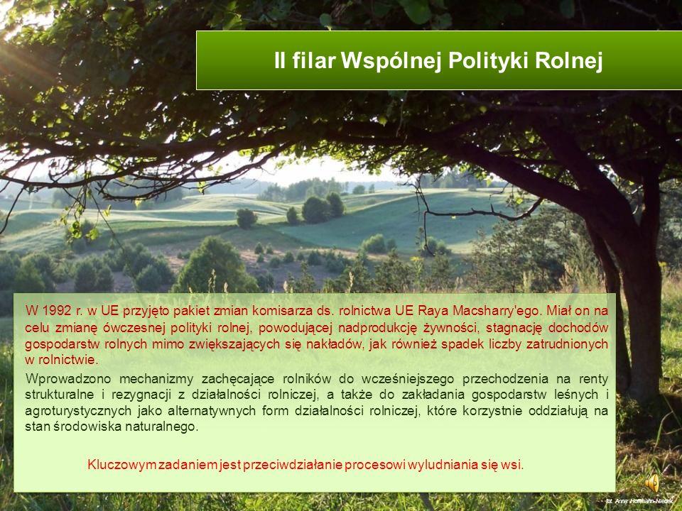 Rolnictwo integrowane http://office.microsoft.com/pl-pl/images W Polsce integrowana produkcja rolna (IP) jest regulowana przepisami: ustawy o ochronie roślin z dnia 18 grudnia 2003 r.