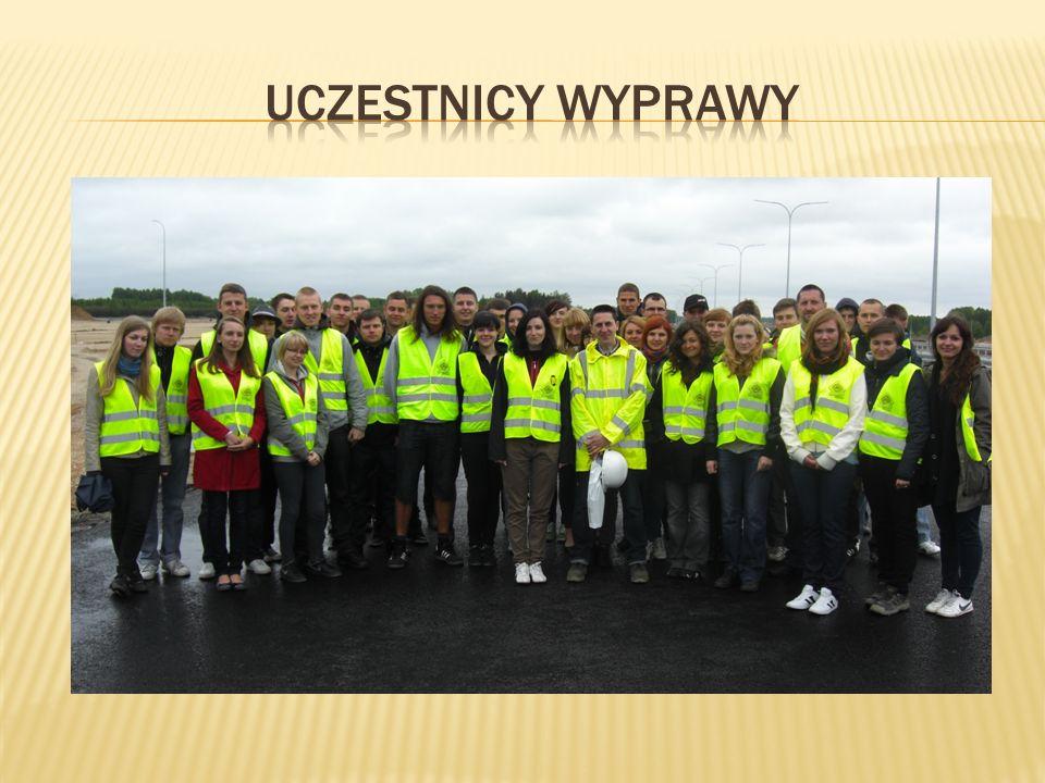 8 maja grupa odwiedziła kieleckie Targi Budownictwa Drogowego, które przebiegały pod znakiem konferencji, branżowych spotkań i prezentacji rynkowych nowości.