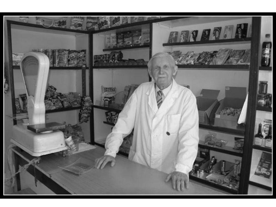 15 U R Z Ą D M I E J S K I W W O L S Z T Y N I E www.wolsztyn.pl Z głębokim żalem przyjęliśmy wiadomość, iż dnia 9 listopada 2008 roku, w wieku 101 lat, zmarł Alojzy Weiss, Zasłużony dla Ziemi Wolsztyńskiej, do dnia śmierci najstarszy pracujący kupiec w Polsce.
