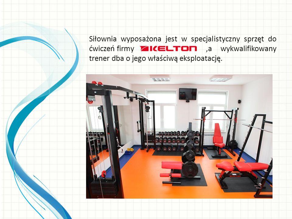 Siłownia wyposażona jest w specjalistyczny sprzęt do ćwiczeń firmy,a wykwalifikowany trener dba o jego właściwą eksploatację.