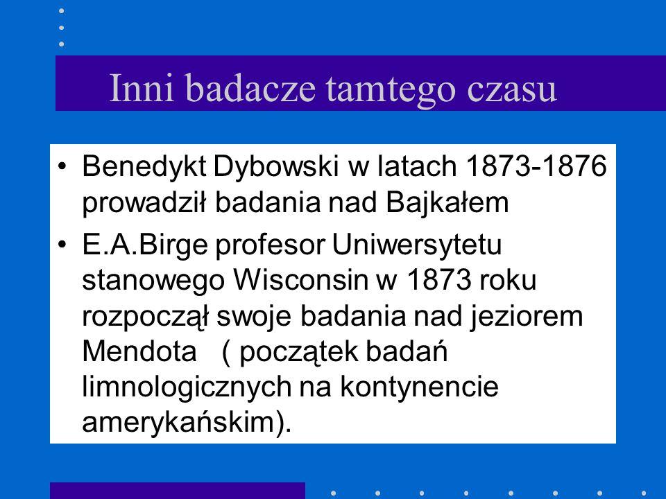 Nowe nazwy w hydrobiologii Forel wprowadził także do literatury nazwy trzech zasadniczych stref w jeziorze: przybrzeżnej - litoralnej, dennej - bentos