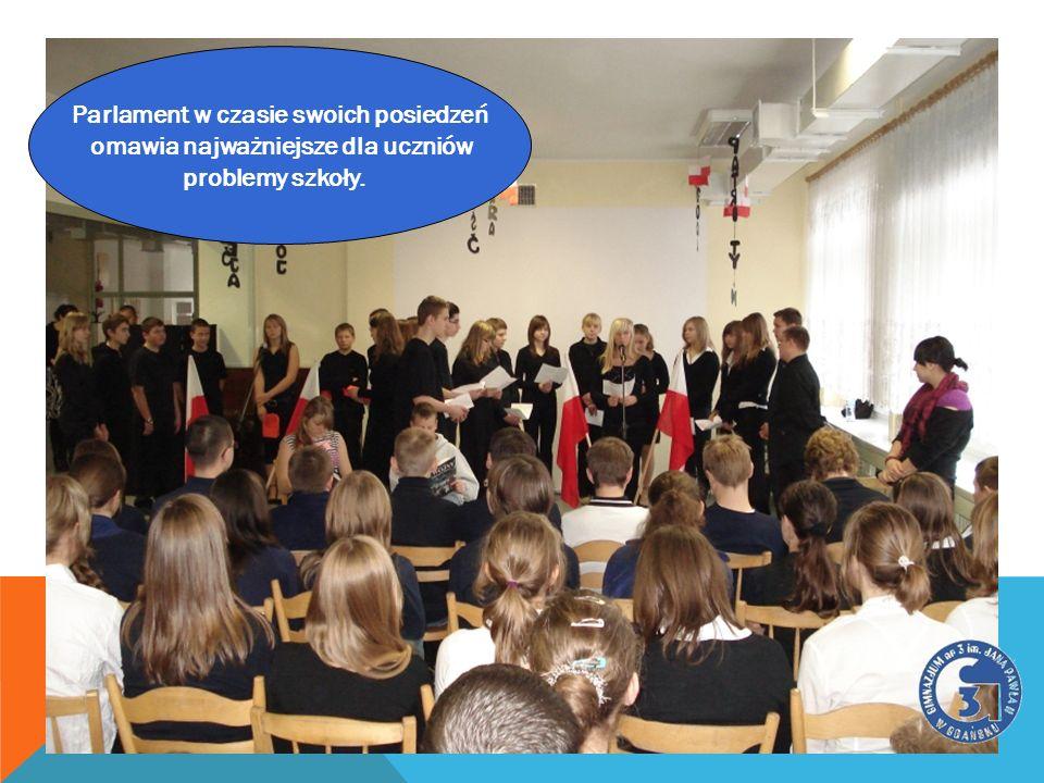 DEMOKRACJA? Parlament w czasie swoich posiedzeń omawia najważniejsze dla uczniów problemy szkoły.
