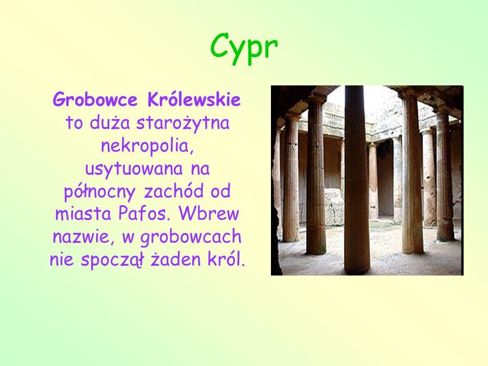 Cypr Grobowce Królewskie to duża starożytna nekropolia, usytuowana na północny zachód od miasta Pafos. Wbrew nazwie, w grobowcach nie spoczął żaden kr