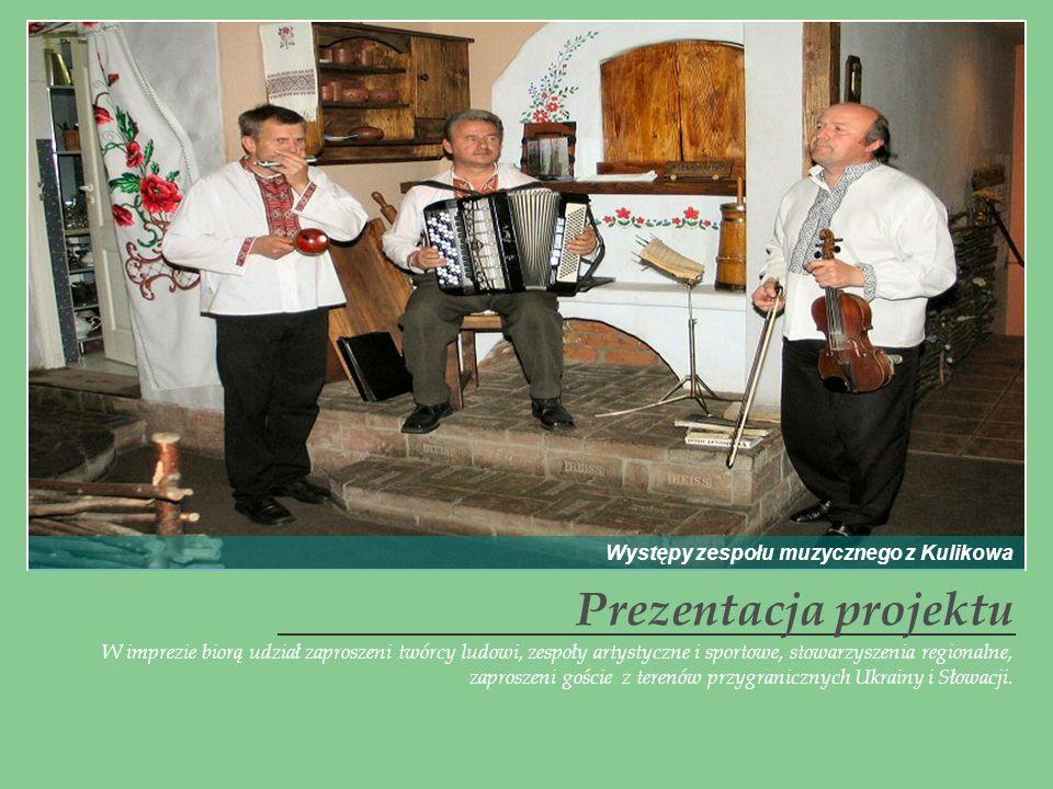 W imprezie biorą udział zaproszeni twórcy ludowi, zespoły artystyczne i sportowe, stowarzyszenia regionalne, zaproszeni goście z terenów przygraniczny